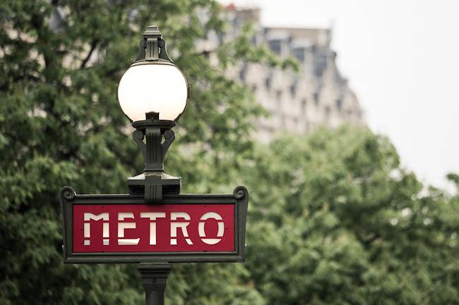 Detalle de un cartel del Metro